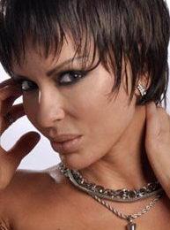 Contratar Daniela Cardone (011-4740-4843) O Al (011-2055-4218)