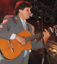 """Contratar Fabian Rodriguez """"El Sureño"""" (011-4740-4843) O Al (011-2055-4218)"""