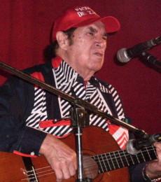 Contratar Rodolfo Zapata (011-4740-4843) O Al (011-2055-4218)