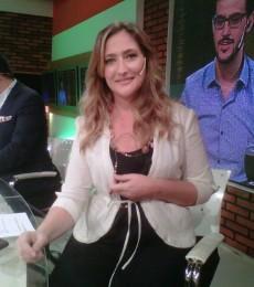 Contratar Carmela Barbaro (011-4740-4843) O Al (011-2055-4218)