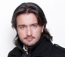 Andres Sandoval Contrataciones Christian Manzanelli Representante Artistico4