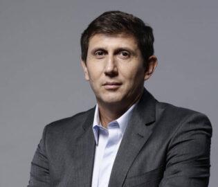 Juan Pablo Varsky Teléfonos (011-4740-4843) O Al (011-2055-4218) Contrataciones De Artistas.