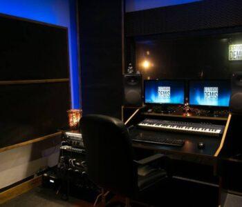 Alquiler De Estudio De Grabación En Christian Manzanelli Producciones (5)
