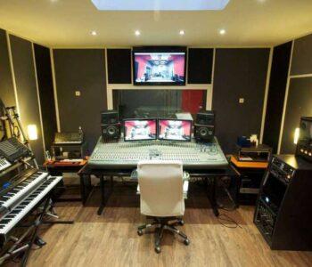 Alquiler De Estudio De Grabación En Christian Manzanelli Producciones (6)